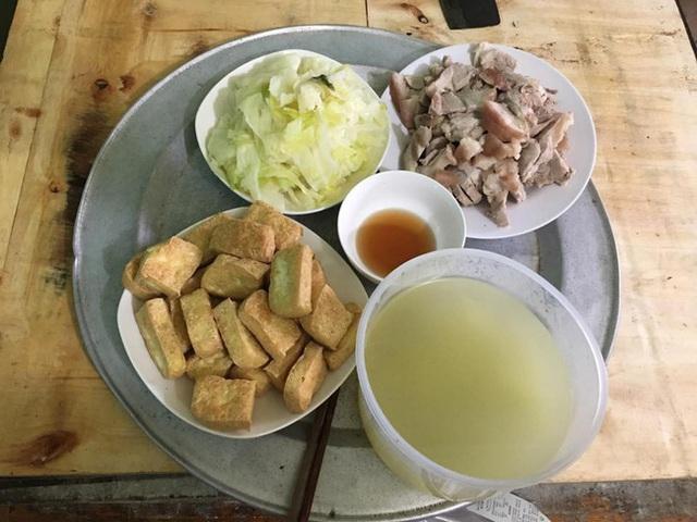 Từ câu chuyện dùng tô nhựa đựng canh nóng trong ngày đầu ra mắt nhà người yêu, chuyên gia chỉ ra thói quen ăn uống phải từ bỏ ngay của người Việt - Ảnh 2.