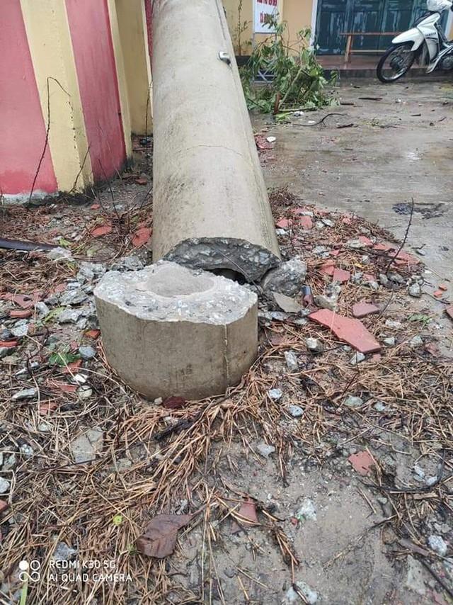 Hơn 400 cột điện đổ la liệt sau bão số 5: Tạm dừng sử dụng cột dự ứng lực - Ảnh 2.