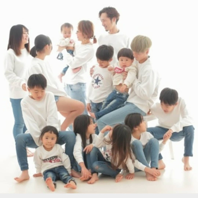 Cặp vợ chồng Nhật Bản cưới hơn 20 năm, sinh 12 đứa con nếp tẻ có đủ, hé lộ cuộc sống mỗi ngày khiến cộng đồng mạng sửng sốt - Ảnh 15.