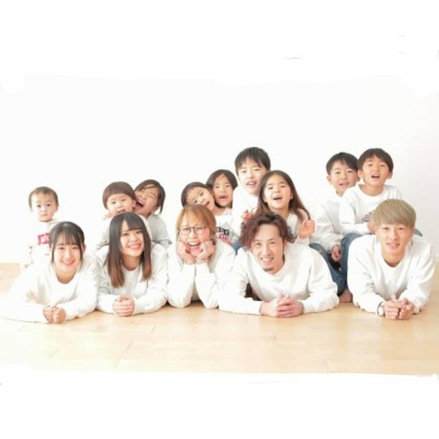 Cặp vợ chồng Nhật Bản cưới hơn 20 năm, sinh 12 đứa con nếp tẻ có đủ, hé lộ cuộc sống mỗi ngày khiến cộng đồng mạng sửng sốt - Ảnh 16.