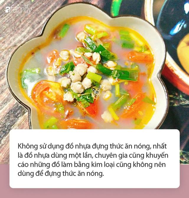 Từ câu chuyện dùng tô nhựa đựng canh nóng trong ngày đầu ra mắt nhà người yêu, chuyên gia chỉ ra thói quen ăn uống phải từ bỏ ngay của người Việt - Ảnh 3.