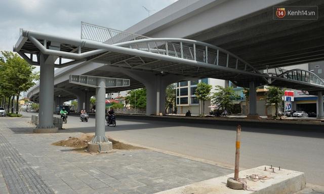 Cận cảnh cầu cạn Mai Dịch - Nam Thăng Long đã rải nhựa xong chờ ngày thông xe  - Ảnh 13.