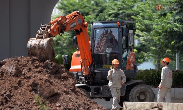 Cận cảnh cầu cạn Mai Dịch - Nam Thăng Long đã rải nhựa xong chờ ngày thông xe - Ảnh 16.