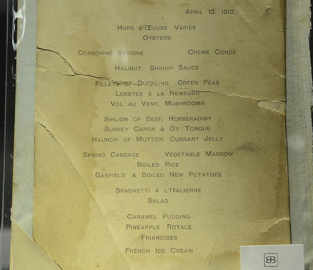 Bữa ăn cuối cùng trên chuyến tàu Titanic: Có thịt cừu sốt bạc hà, cá hồi sốt mousseline và vô số kể các món ngon khác - Ảnh 16.