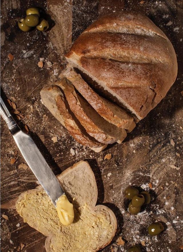 Bữa ăn cuối cùng trên chuyến tàu Titanic: Có thịt cừu sốt bạc hà, cá hồi sốt mousseline và vô số kể các món ngon khác - Ảnh 3.