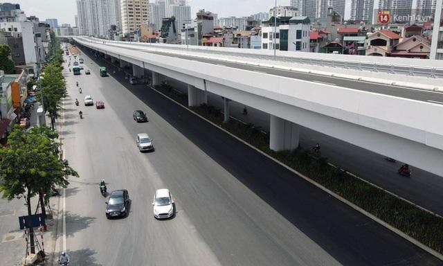 Cận cảnh cầu cạn Mai Dịch - Nam Thăng Long đã rải nhựa xong chờ ngày thông xe - Ảnh 5.