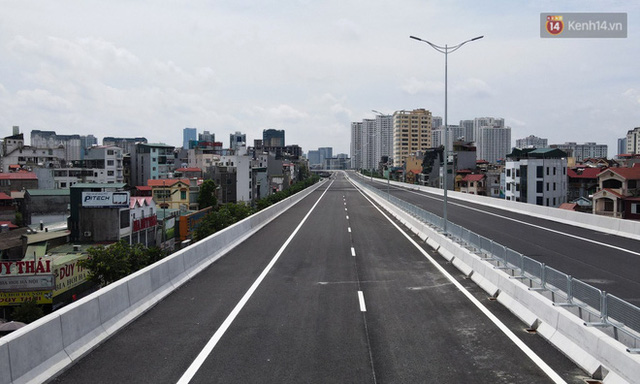 Cận cảnh cầu cạn Mai Dịch - Nam Thăng Long đã rải nhựa xong chờ ngày thông xe  - Ảnh 6.