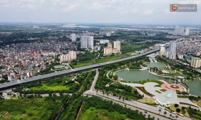 Cận cảnh cầu cạn Mai Dịch - Nam Thăng Long đã rải nhựa xong chờ ngày thông xe - Ảnh 8.