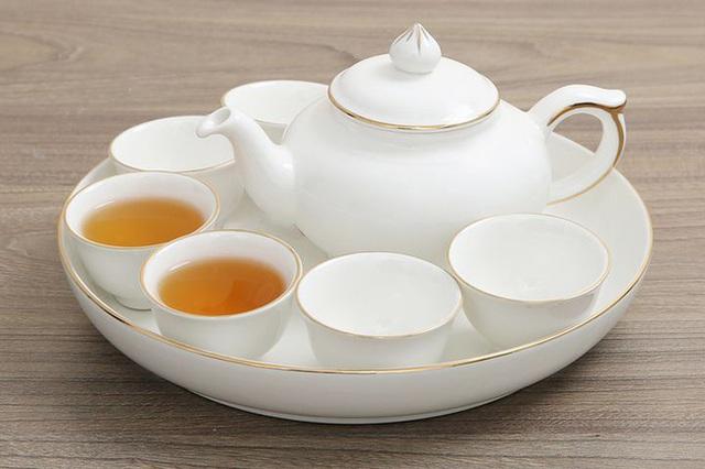 Uống trà thế này chẳng khác nào uống... thuốc độc - Ảnh 1.