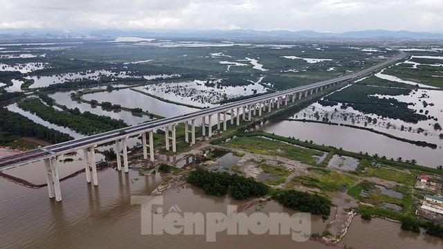 Ngắm cây cầu được ví là đòn bẩy phát triển kinh tế Quảng Ninh - Ảnh 11.