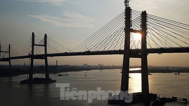 Ngắm cây cầu được ví là đòn bẩy phát triển kinh tế Quảng Ninh - Ảnh 12.