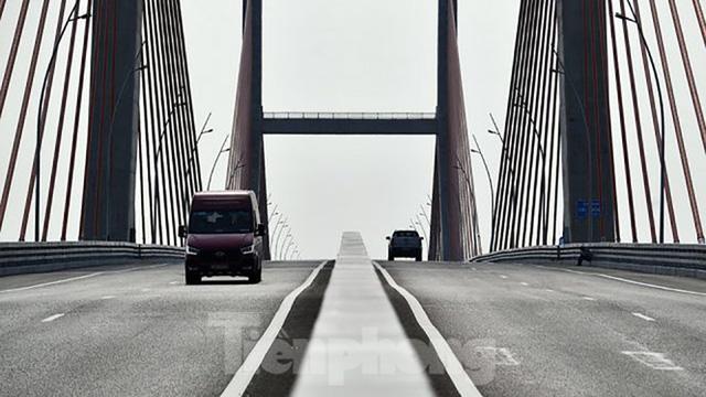 Ngắm cây cầu được ví là đòn bẩy phát triển kinh tế Quảng Ninh - Ảnh 4.