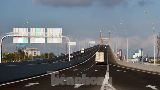 Ngắm cây cầu được ví là đòn bẩy phát triển kinh tế Quảng Ninh - Ảnh 10.
