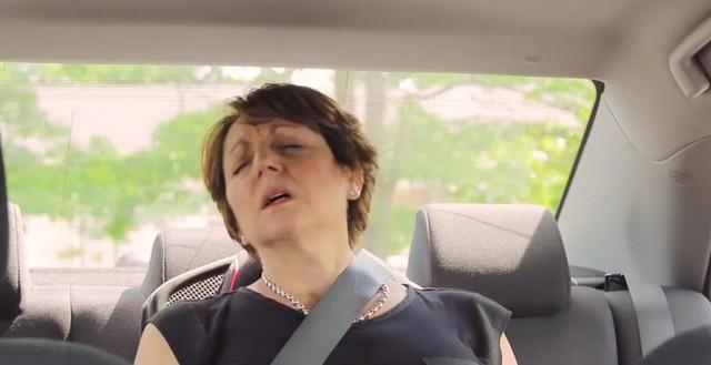Ngồi 10 phút trên xe để lấy 100 đô la: Thử thách tưởng dễ ăn, nhưng hầu hết mọi người đều thất bại - Ảnh 3.