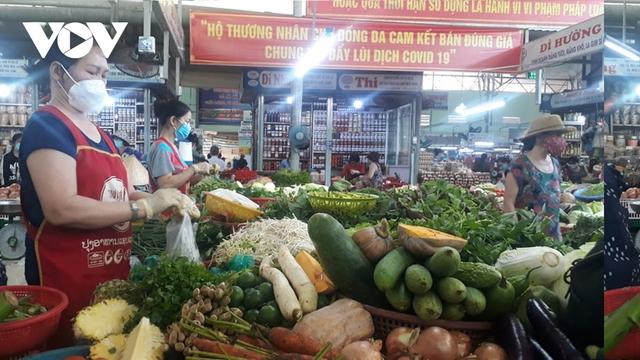 Sau dịch Covid-19, tiểu thương các chợ ở Đà Nẵng gặp khó khăn  - Ảnh 1.