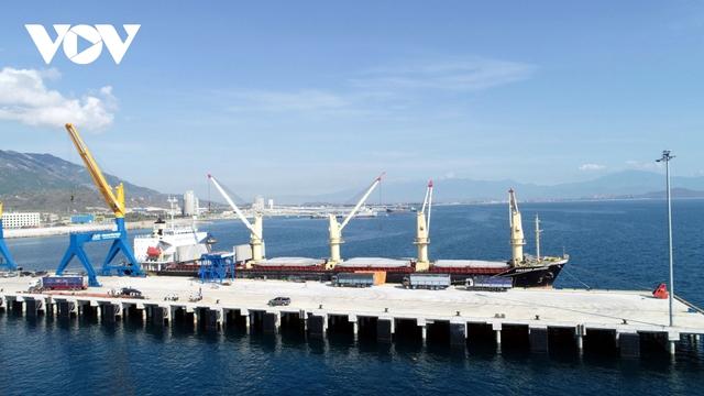 Thu hút đầu tư đưa Vân Phong thành trung tâm kinh tế biển - Ảnh 1.