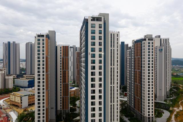 Mua nhà trở thành ước mơ khó với tới, người trẻ Hàn Quốc tìm cách thoát nghèo bằng đầu tư chứng khoán, hy vọng phất lên nhanh chóng - Ảnh 3.