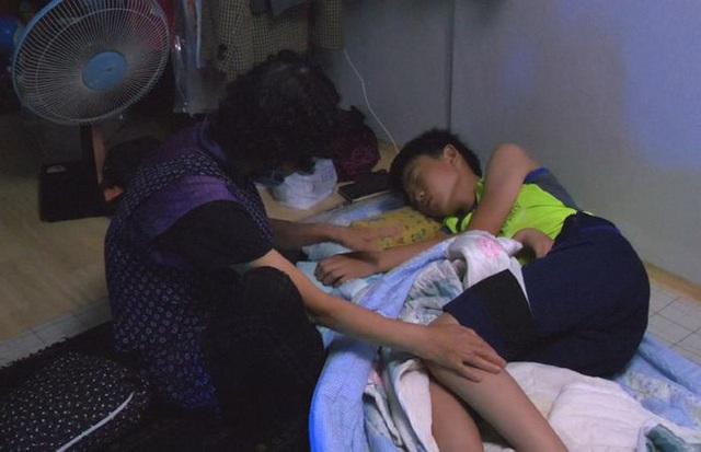 Bị bạn bè tẩy chay vì nhà nghèo, bé trai 14 tuổi vẫn bình thản làm một việc và lời tâm sự khiến ai cũng phải nức nở - Ảnh 4.