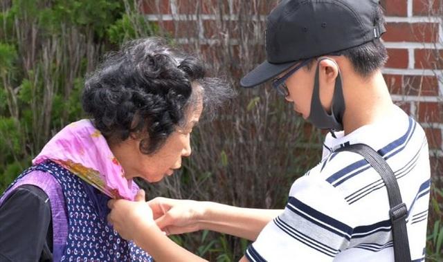 Bị bạn bè tẩy chay vì nhà nghèo, bé trai 14 tuổi vẫn bình thản làm một việc và lời tâm sự khiến ai cũng phải nức nở - Ảnh 8.