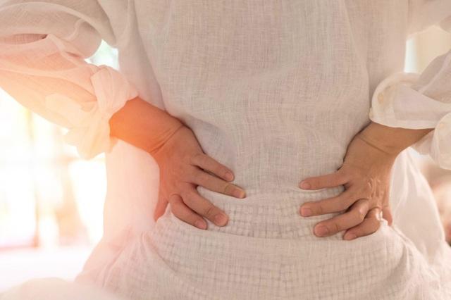 Đau thận hay đau lưng: Chuyên gia hướng dẫn cách phân biệt 2 bệnh này - Ảnh 1.
