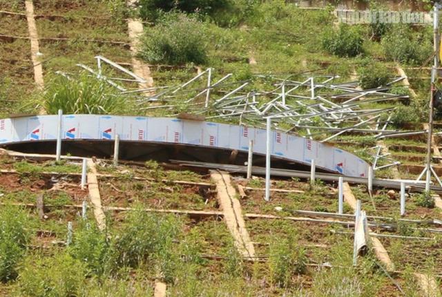 Clip, hình ảnh công trình lắp đặt 11 chữ khẩu hiệu hết hơn 10 tỉ đồng ở Hòa Bình  - Ảnh 7.
