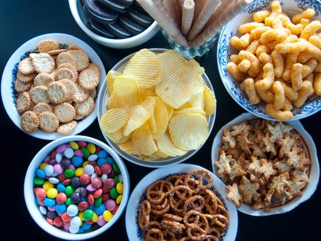 Những thực phẩm siêu chế biến này rất ngon, ai cũng thích nhưng hóa ra lại có thể khiến bạn thiếu hụt dinh dưỡng và tăng cân - Ảnh 1.