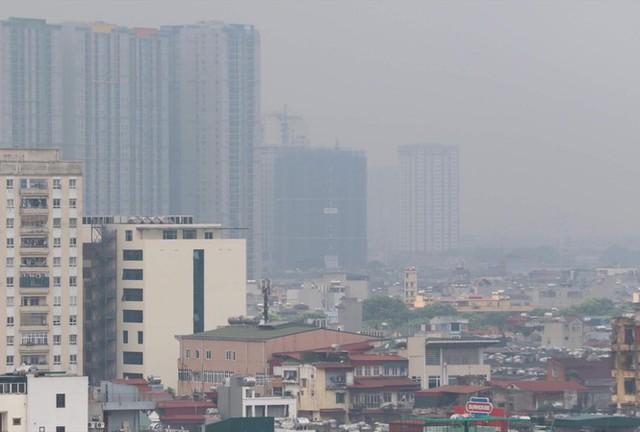 Chất lượng không khí Hà Nội xấu đi, rất có hại cho sức khỏe: Bác sĩ chuyên khoa hô hấp nhấn mạnh 1 thói quen giúp hạn chế tác động của ô nhiễm - Ảnh 1.