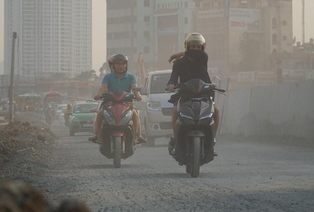 Hà Nội tái ô nhiễm không khí từ sáng nay - Ảnh 1.