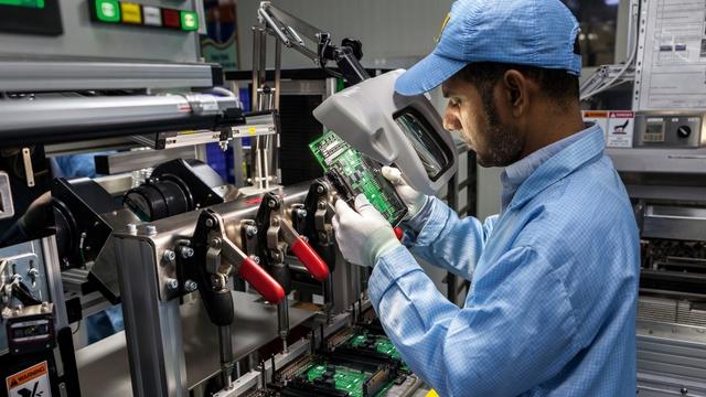 So sánh dữ liệu xuất khẩu Việt Nam - Ấn Độ, ai đang dẫn trước trong cuộc đua trở thành cứ điểm sản xuất mới? - Ảnh 3.