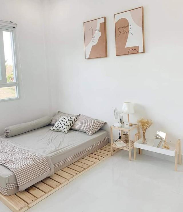 Ngôi nhà màu trắng tuyệt đẹp cô gái 25 tuổi xây tặng cha mẹ - Ảnh 3.