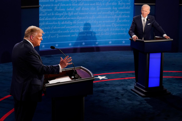 Cuộc khẩu chiến đầu tiên: Ông Trump lôi con trai ông Biden vào cuộc, cựu Phó Tổng thống phản pháo cực gắt - Ảnh 2.