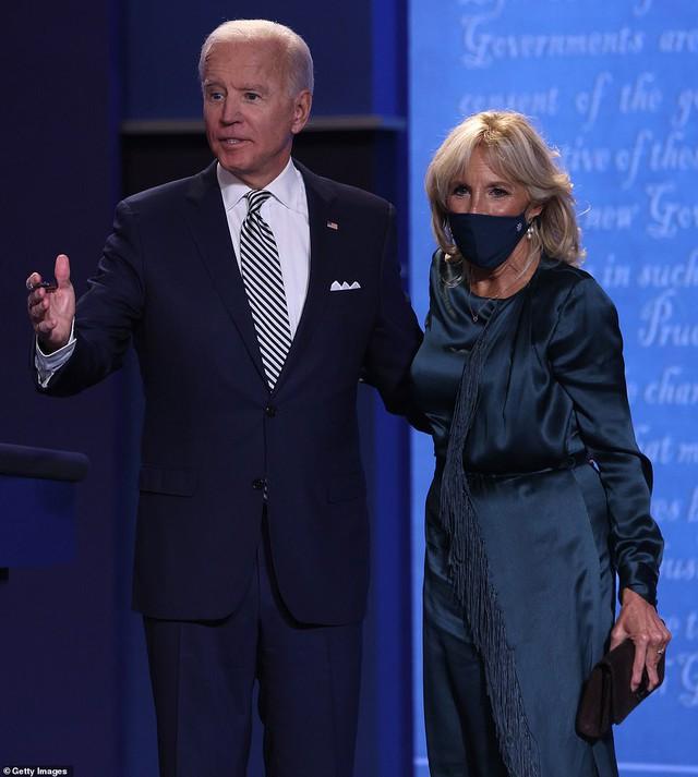 Tất tần tật về phu nhân của ứng cử viên Tổng thống Mỹ Joe Biden: Năng lực chẳng kém cạnh chồng và câu nói để đời nổi tiếng - Ảnh 2.