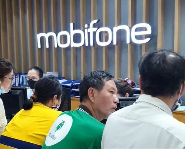 MobiFone khắc phục sự cố, có thể tặng quà xin lỗi, khách hàng vẫn bức xúc đòi bồi thường thiệt hại - Ảnh 4.