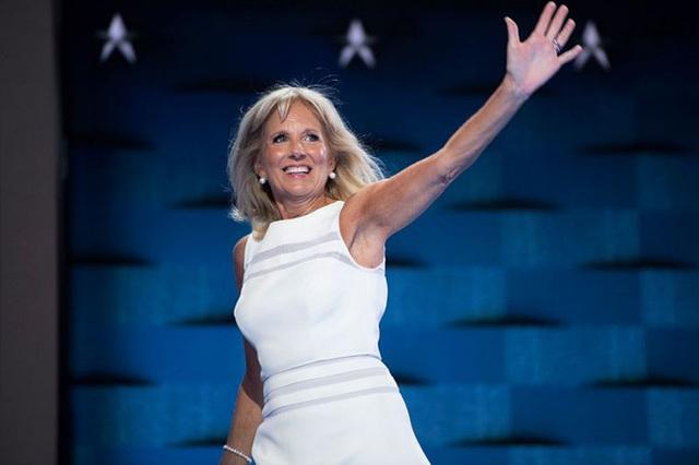 Tất tần tật về phu nhân của ứng cử viên Tổng thống Mỹ Joe Biden: Năng lực chẳng kém cạnh chồng và câu nói để đời nổi tiếng - Ảnh 7.