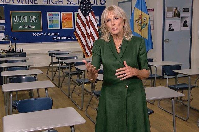 Tất tần tật về phu nhân của ứng cử viên Tổng thống Mỹ Joe Biden: Năng lực chẳng kém cạnh chồng và câu nói để đời nổi tiếng - Ảnh 10.