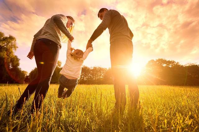 Câu hỏi duy nhất cho những ai muốn đi tìm hạnh phúc: Câu trả lời của triết gia, nhà nghiên cứu tâm lý khiến nhiều người phải suy ngẫm! - Ảnh 2.