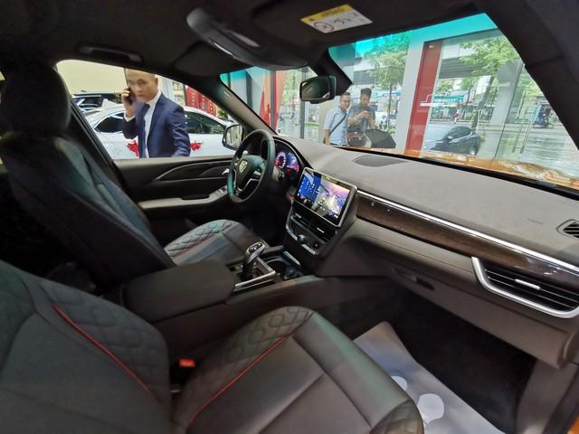 VinFast President chốt giá 4,6 tỷ đồng, sử dụng động cơ V8 6.2L, tốc độ tối đa gần 300 km/h - Ảnh 2.