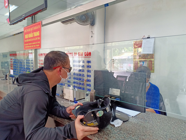 Bến xe, nhà ga, sân bay ở Đà Nẵng mở cửa trở lại nhưng vẫn vắng khách  - Ảnh 6.