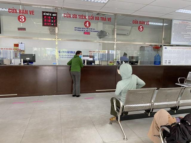 Bến xe, nhà ga, sân bay ở Đà Nẵng mở cửa trở lại nhưng vẫn vắng khách  - Ảnh 11.
