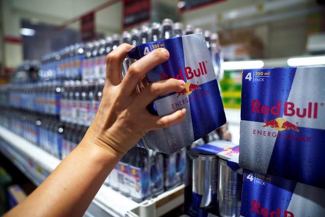 Trước khi bị người Thái tẩy chay, Red Bull trở thành thương hiệu nổi tiếng và tạo ra các tỷ phú như thế nào? - Ảnh 3.
