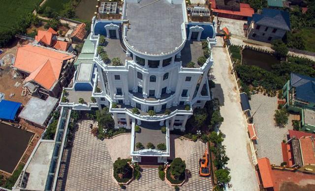 Cận cảnh 2 tòa lâu đài trăm tỷ của đại gia Phát dầu vừa bị bắt ở Hải Phòng - Ảnh 7.
