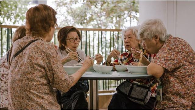 Bán hàng rong ở Singapore: Từ những món ăn lề đường bình dị có bề dày lịch sử 200 năm trở thành nét văn hóa được UNESCO công nhận - Ảnh 2.