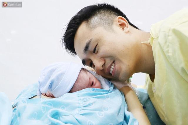 Chùm ảnh: Những thiên thần nhỏ chào đời trong thời khắc đầu tiên của năm mới 2021 - Ảnh 22.