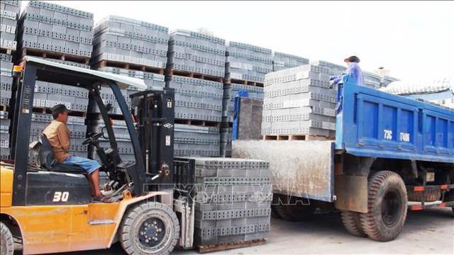 Nguồn cầu thị trường vật liệu xây dựng 2021 đang chờ nguồn cung  - Ảnh 1.