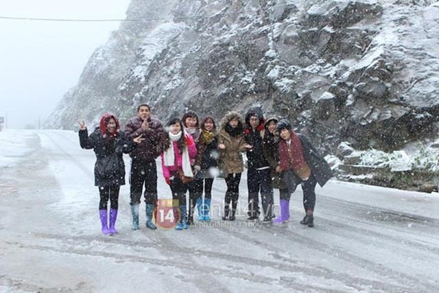 Nhiệt độ Sa Pa xuống dưới 0 độ C, có mưa và tất cả đều đang trông chờ tuyết rơi như 7 năm trước - Ảnh 14.