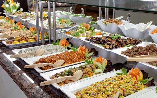 Nếu bạn cứ mê 3 thứ này khi đi ăn buffet sẽ khiến người bán hàng mừng thầm vì đỡ tốn - Ảnh 1.