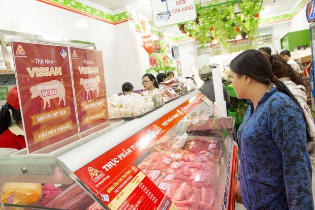 TP HCM cho phép tăng giá bán lẻ thịt heo bình ổn, cao nhất 190.000 đồng/kg  - Ảnh 1.
