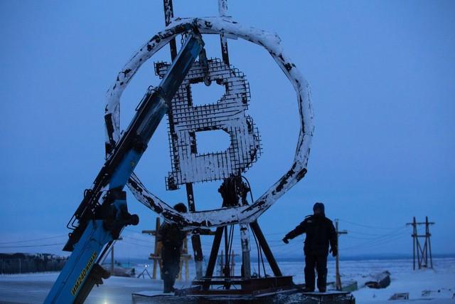 Cơn sốt Bitcoin tràn đến Cực Bắc: Lạnh mấy cũng không ngăn được thợ đào cày tiền để nhận thưởng 250.000 USD, công suất đủ phục vụ cả thế giới - Ảnh 1.