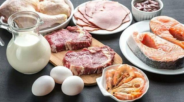 Ăn quá nhiều protein sẽ làm tổn thương thận, tăng nguy cơ ung thư, 5 dấu hiệu cảnh báo bạn ăn quá nhiều protein - Ảnh 1.