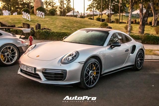 Doanh nhân Đặng Lê Nguyên Vũ trưng dàn xe hơn 100 tỷ đồng: Bộ sưu tập Porsche 911 và Mercedes SLS AMG khiến dân chơi xe phải kính nể - Ảnh 6.